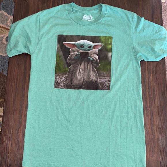 Star Wars The child tshirt medium unisex